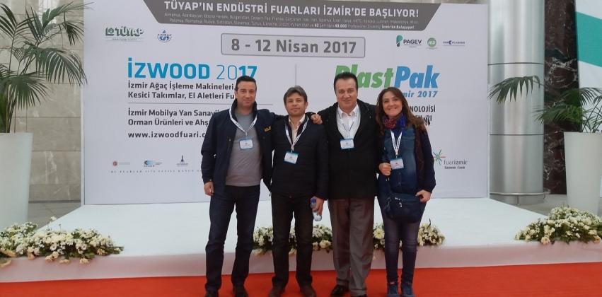 """Mobilya ve Dekorasyon Öğretim Elemanları  """"Aimsad Ağaç İşleme Teknolojileri Paneli ve İzwood – İzmir Ağaç İşleme Makinesi Fuarına Katıldılar"""