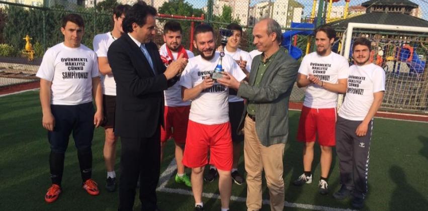 ÇOMÜ 25. Yıl Futbol Turnuvasının Biga MYO Şampiyonu Gıda Teknolojisi İkinci Öğretim 1. Sınıf Oldu
