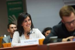 Dr. Eminoğlu Avrupa Konseyi'ne  Göçmen ve Mülteci Sorunu İle İlgili Raporunu Sundu