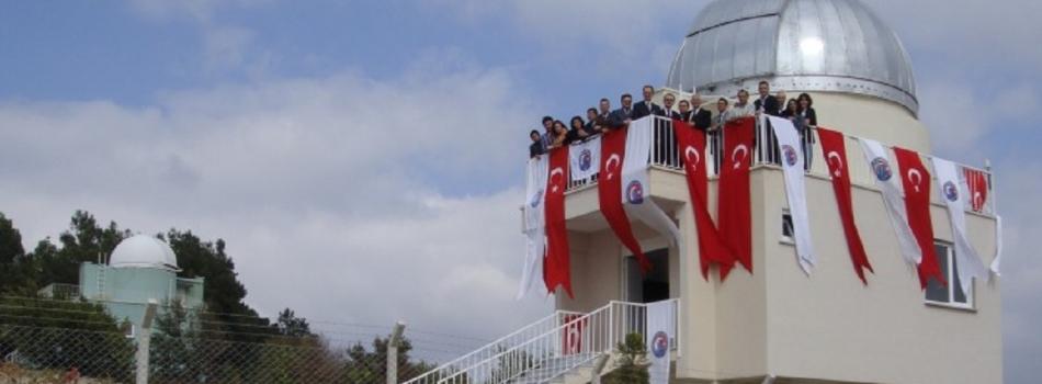 122cm'lik teleskopu ve ÇAAM üyeleri