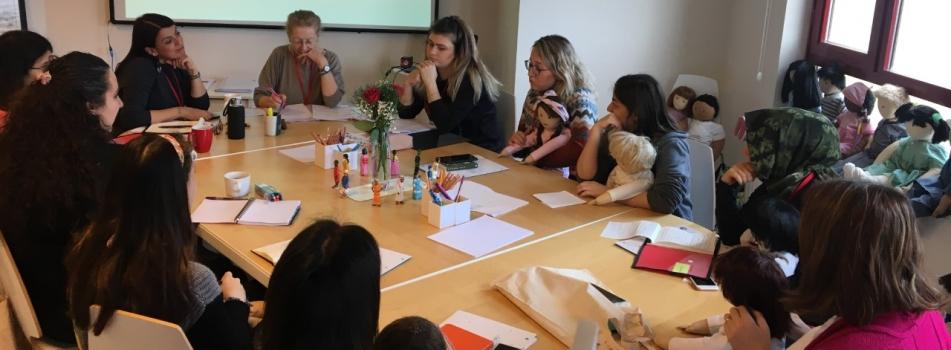 Kimlikli Bebekler Yaklaşımı Uygulayıcı Eğitimi Sertifika Programı gerçekleştirildi.