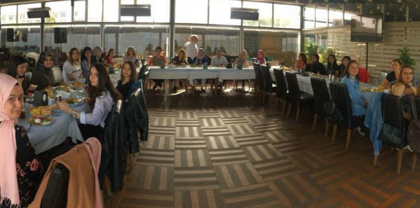 Giyim Üretim Teknolojisi Öğrencileri ve Öğretim Elemanları Kahvaltıda Buluştu