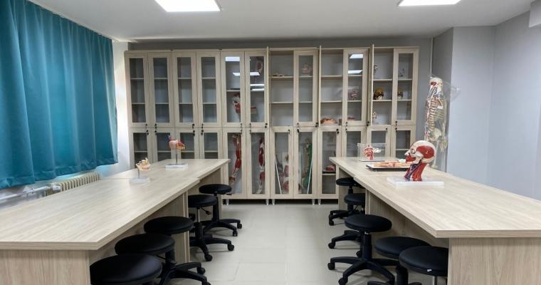 Fakültemiz bahar yarıyılı itibariyle fakülte binasında  Anatomi Laboratuvarı kullanıma başlanmıştır.