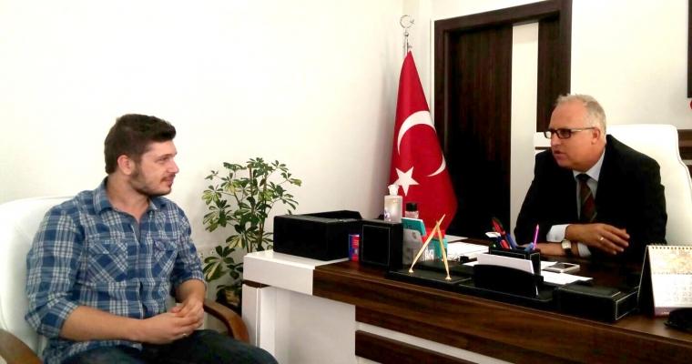 ÇOMÜ Öğrenci Konseyi Başkanı Alperen UYSAL Fakültemiz Dekanı Prof.Dr. Salih Zeki GENÇ'i Ziyaret Etti