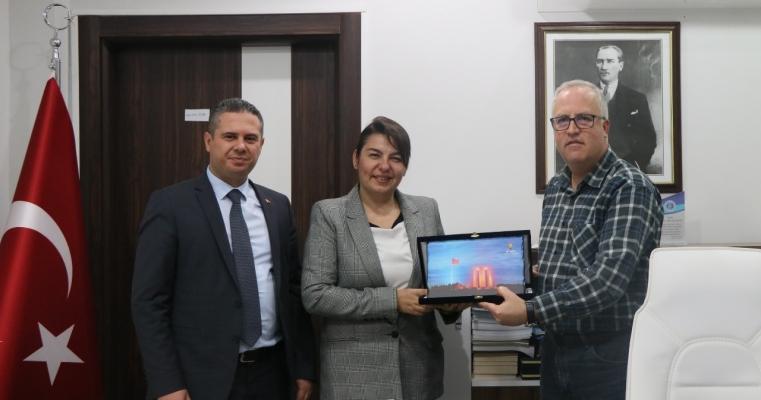 Dekanımız Prof.Dr.Salih Zeki GENÇ'e 24 Kasım Öğretmenler Günü Ziyareti