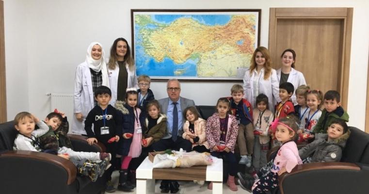 Çocuklar Evi Öğretmenler Günü Kapsamında Dekanımız Prof.Dr. Salih Zeki GENÇ'i Ziyaret Etti