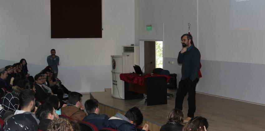 Psikolojik Danışmanlık ve Rehberlik Birimi Tarafından Ezine MYO'da Program Düzenlendi