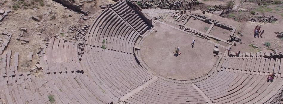 Assos- Tiyatro