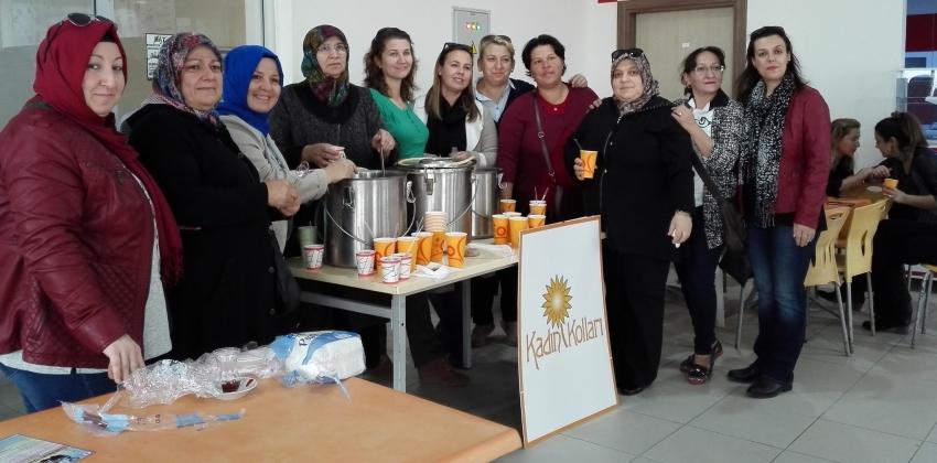 AKP İlçe Kadın Kolları tarafından öğrenci ve personelimize aşure ikramı yapılmıştır.