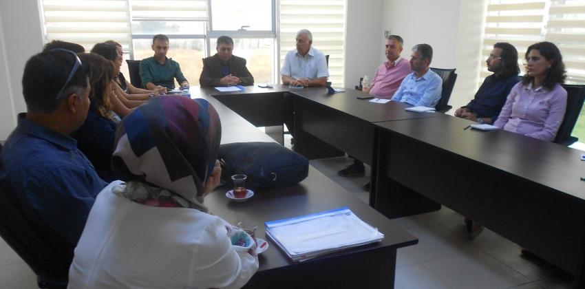 Yüksekokulumuzda 2017-2018 Eğitim-Öğretim Yılı Güz Yarıyılı Akademik Kurul Toplantısı Yapıldı.