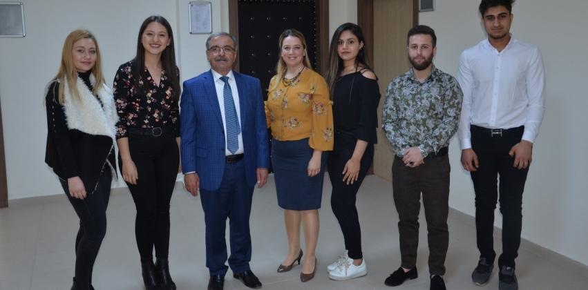 Belediye Başkanı Mustafa ÖZACAR Gelibolu Piri Reis Meslek Yüksekokulu İnsan Kaynakları Yönetimi Programı Öğrencileri İle Bir Araya Geldi.