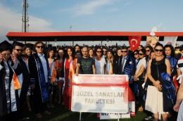 Çanakkale Onsekiz Mart Üniversitesi (ÇOMÜ) Mezuniyet Töreni, Çanakkale 18 Mart Stadyumu'nda gerçekleştirildi.