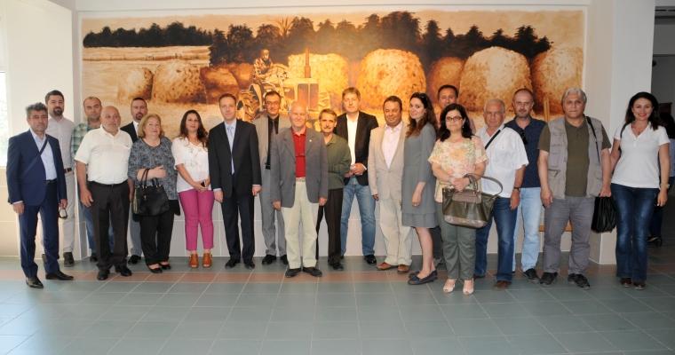 Ziraat Fakültesi'nde 'Doğa ve Tarım Temalı Resim Sergisi' ile 'Tarımsal Değerler Sergisi'nin Açılışı Gerçekleşti
