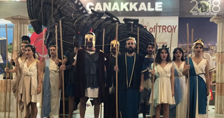 Sahne ve Görüntü Sanatları Bölümü, 11. Uluslararası Travel Turkey Turizm Fuarı'nda, Troya Efsanesi Adlı oyunlarını oynadı