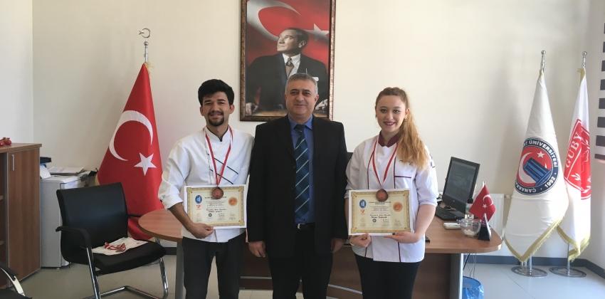 GUBY Öğrencileri Çorum Belediyesi 1. Ulusal Aşçılar ve Pastacılar Şampiyonası'ndan Madalyayla Döndü