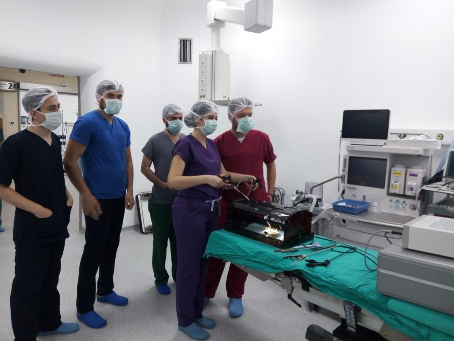 ileri-laparoskopik-cerrahi-egitimi-gerceklestirild