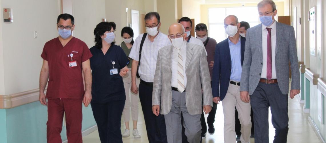 Rektör Prof. Dr. Sedat MURAT ÇOMÜ Hastanesini Ziyaret Etti