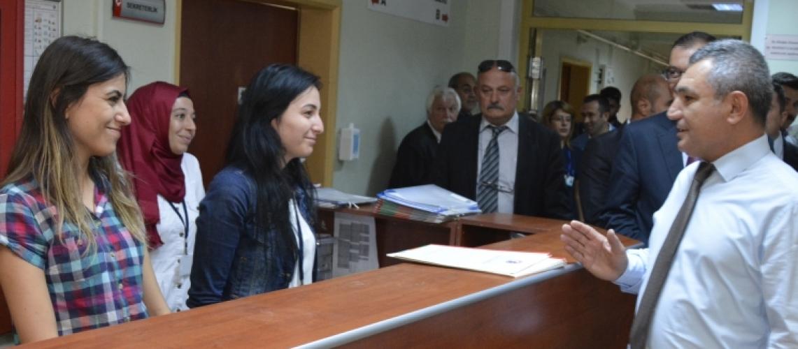 Rektör Prof. Dr. Yücel Acer, Tıp Fakültesi Hastanesi'nde İncelemelerde Bulundu