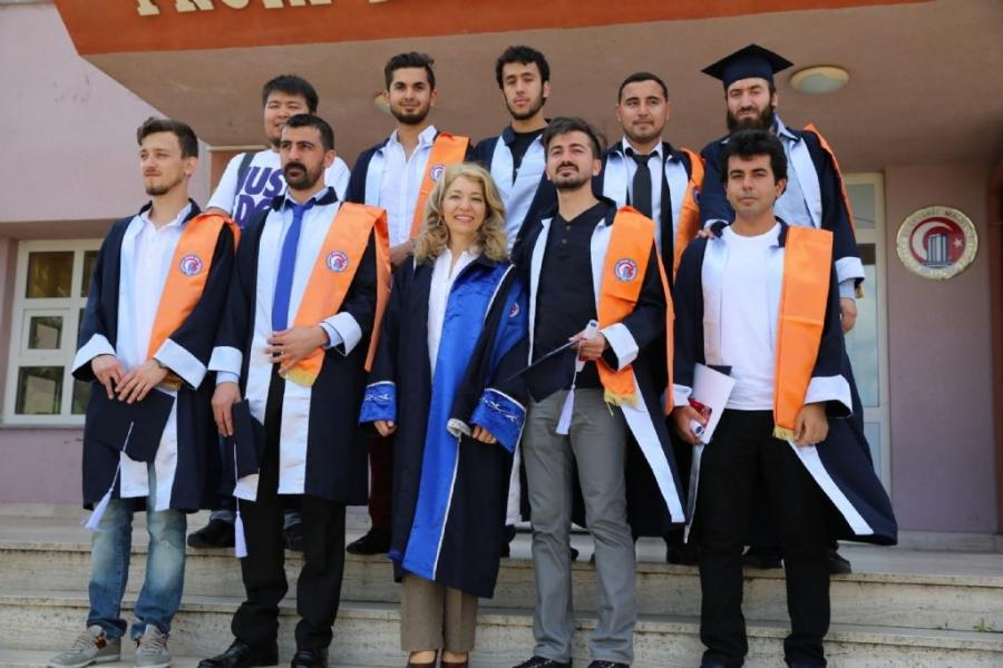 2015-mezuniyet-toreni