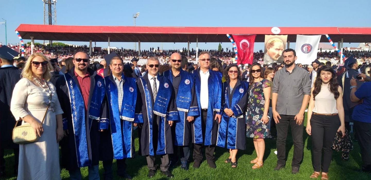 2018-2019-akademik-yili-mezuniyet-toreni