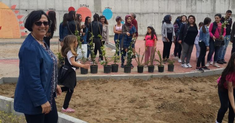 ÇOMÜ Peyzaj Mimarlığı Bölümü ve Hüseyin Akif Terzioğlu İlköğretim Okulu Ağaç ve Çiçek Dikim Etkinliği