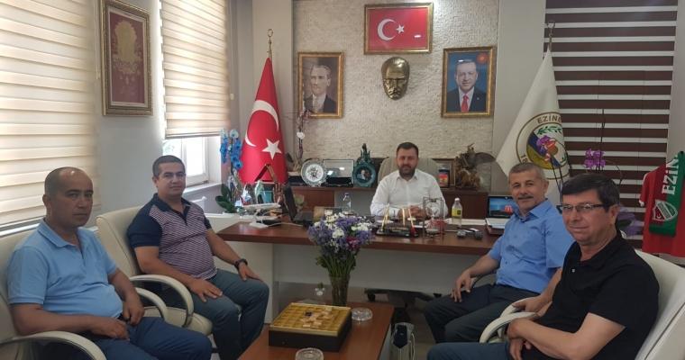 Prof. Dr. Abdullah KELKİT ve Doç. Dr. Alper SAĞLIK'tan Ezine Belediye Başkanı Güray YÜKSEL'e ziyaret