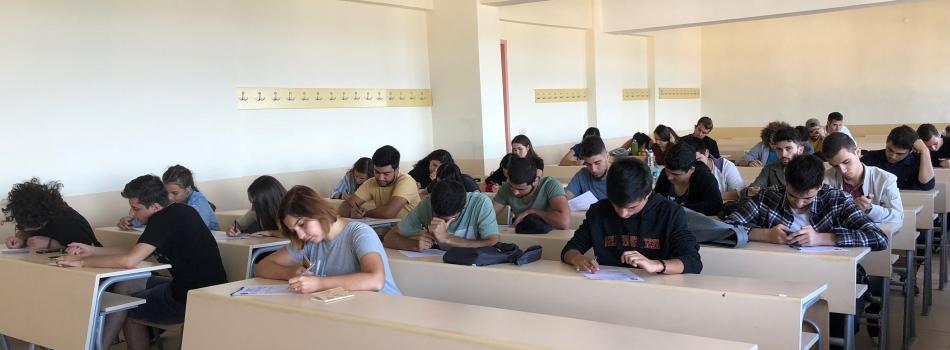 Yeni gelen öğrencilerimizle birlikte bilgilendirme toplantısı yapıldı.