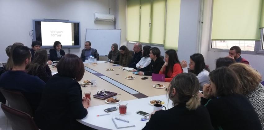 ÇOMÜ Sağlık Yüksekokulu ve Eğitim Fakültesi İşbirliği İle Eğitim Becerileri Kursu düzenlendi.