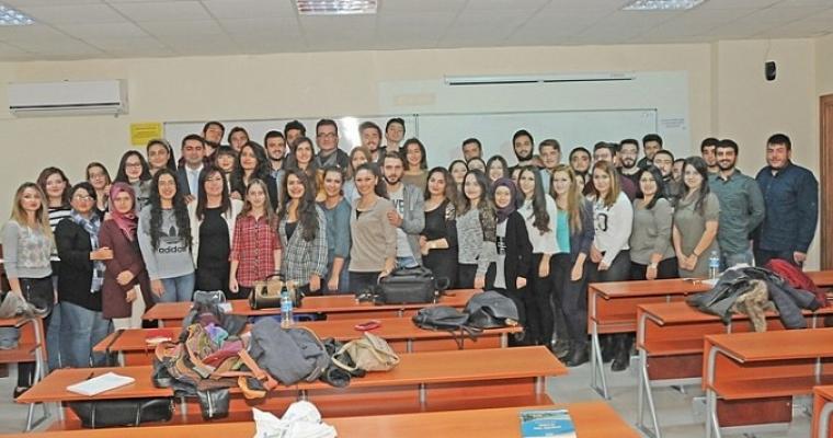 Gazetecilerden Siyasal Öğrencilerine Medya Dersi