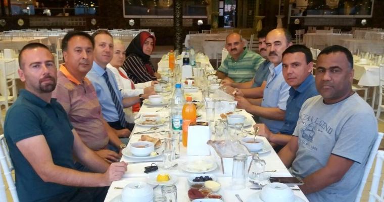 Ziraat Fakültesi Personeli Geleneksel İftar Yemeğinde Bir Araya Geldi
