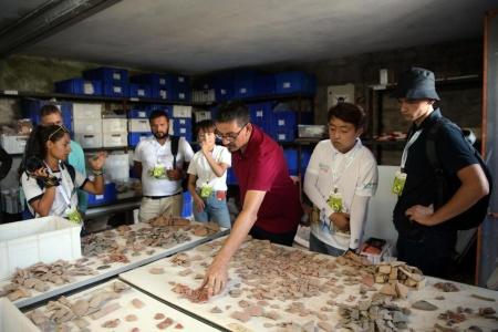 Arkeoloji Yaz Okulu Etkinliğinin İlk Kısmı Çanakkale'de Gerçekleştirildi