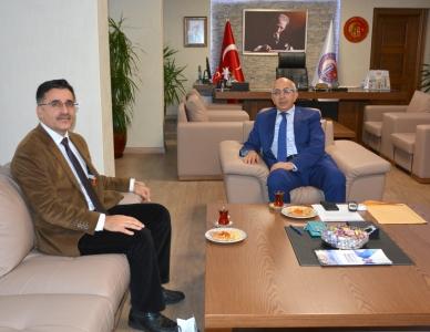 Bayramiç Milli Eğitim Müdürü'nden Rektör Prof. Dr. Sedat Murat'a Ziyaret