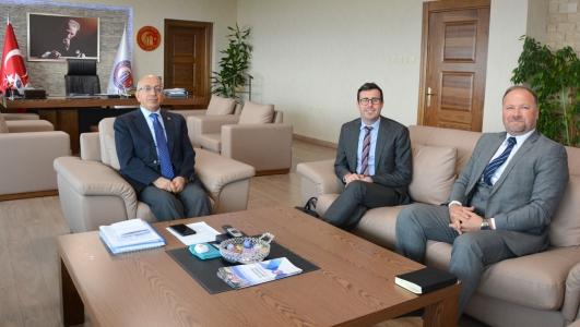 Çanakkale Avustralya Konsolosu  Andrew Cooper  Rektör Prof. Dr. Sedat Murat'ı Makamında Ziyaret Etti