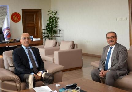 Gelibolu Belediye Başkanı M. Mustafa Özacar'dan ÇOMÜ Rektörü Prof. Dr. Sedat Murat'a Ziyaret