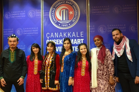 III. Uluslararası Şiir Gecesi Troia Kültür Merkezi'nde Gerçekleşti