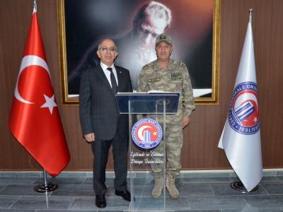 Korgenaral Zekai Aksakallı'dan ÇOMÜ Rektörü Prof. Dr. Sedat Murat'a Ziyaret