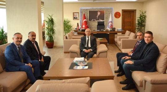Türkiye Sağlık İşçileri Sendikası Yönetiminden Rektör Prof. Dr. Sedat Murat'a Ziyaret