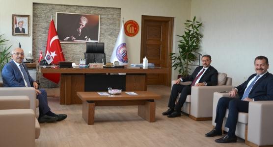 Balıkesir Valisi ve Balıkesir Büyükşehir Belediye Başkanından ÇOMÜ Rektörü Prof. Dr. Sedat Murat'a Ziyaret
