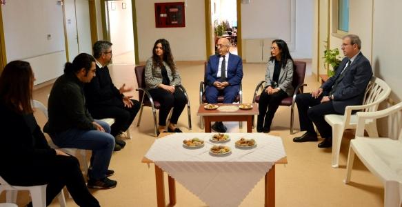 Rektör Prof. Dr. Sedat Murat ÇOMÜ Butiği Ziyaret Etti