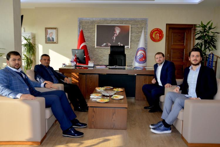 AK Parti Gençlik Kollarından Rektör Prof. Dr. Yücel Acer'e Ziyaret