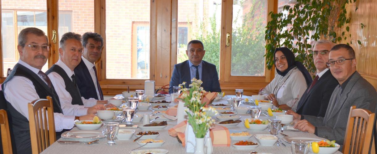 KADEM Vakfı üyesinden Rektör Prof. Dr. Yücel Acer Acer'e Ziyaret