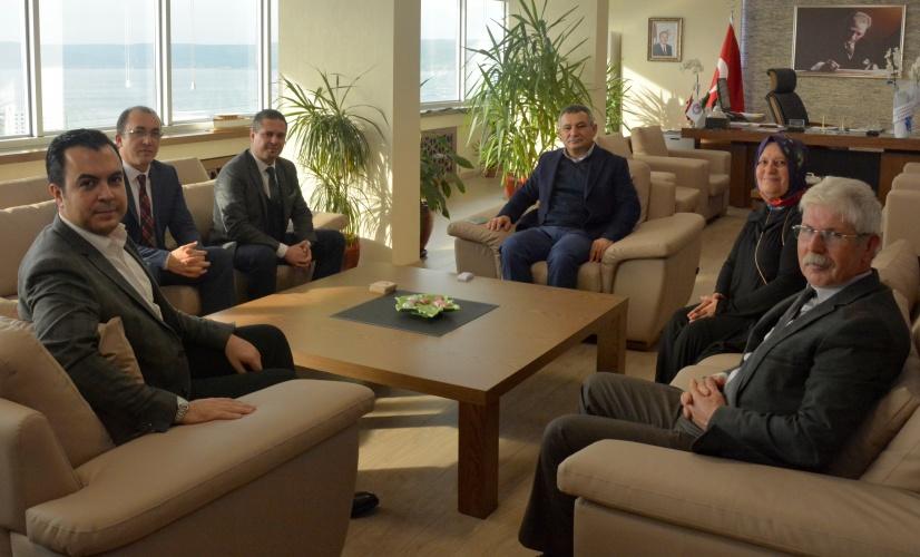 Ak Parti Merkez İlçe Başkanlığı'ndan Rektör Acer'e Ziyaret