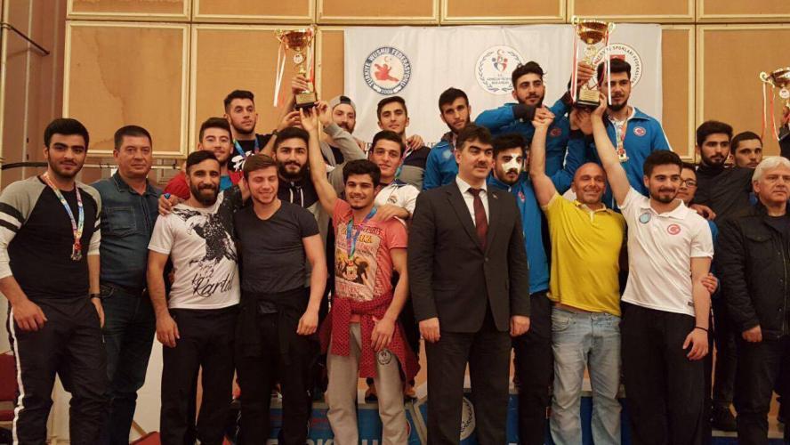 ÇOMÜ Üniversitelerarası Wushu Şampiyonası'nda Türkiye 2.si Oldu