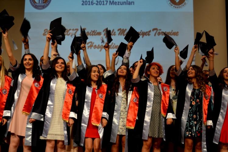 ÇOMÜ Tıp Fakültesi Mezuniyet Töreni Gerçekleştirildi