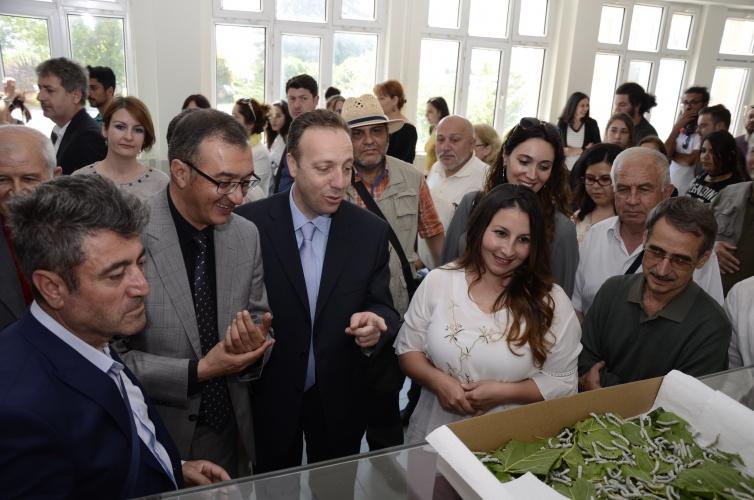 'Doğa ve Tarım Temalı Resim Sergisi' ile 'Tarımsal Değerler Sergisi'nin Açılışı Gerçekleşti