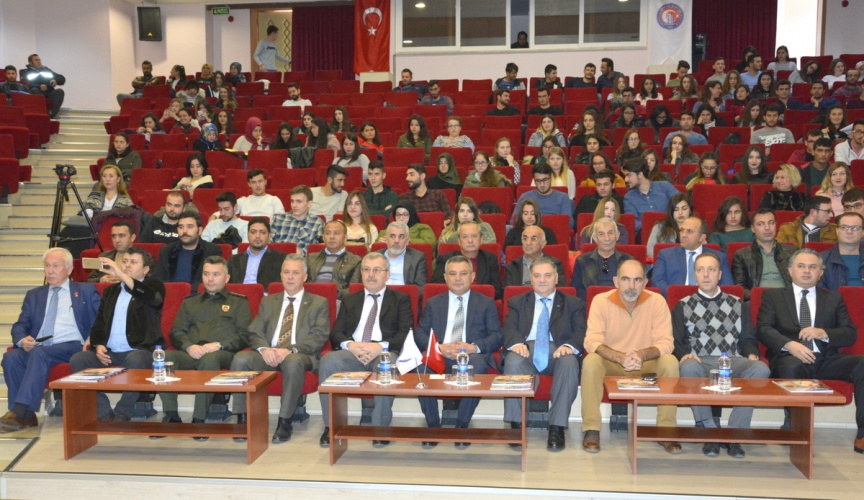 Kırım Türkleri'nin Vatan Mücadelesi Konulu Konferans Gerçekleştirildi