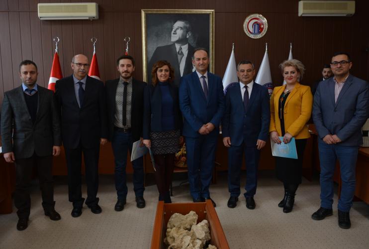 Kosovalı Akademisyenlere Yönelik 'Akademik Kaliteyi Geliştirme' Sertifika Programı Düzenlendi