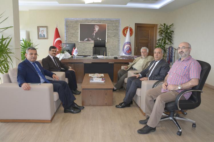 Muş Alparslan Üniversitesi Rektörü'nden, ÇOMÜ Rektörü Prof. Dr. Yücel Acer'e Ziyaret