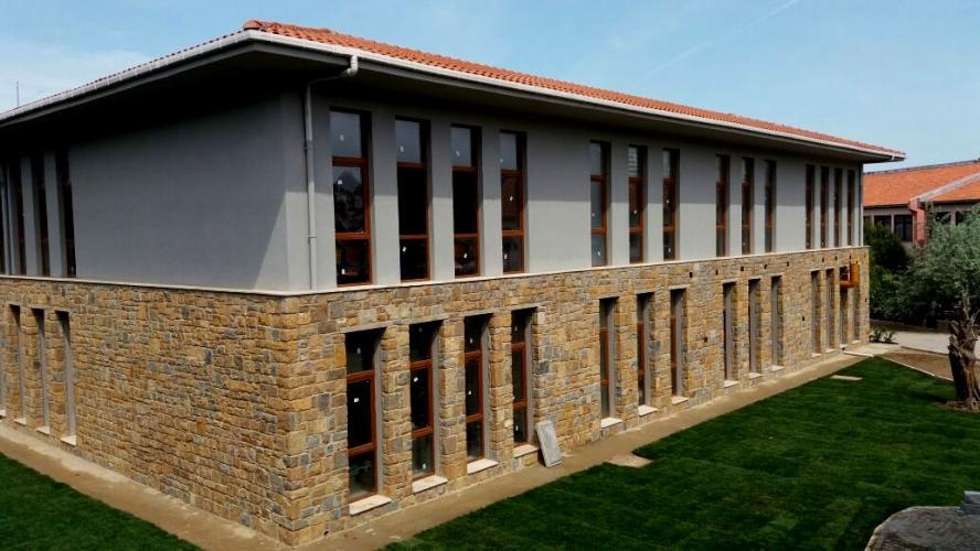 Rektör Acer, Gökçeada Uygulamalı Bilimler Yüksekokulunun Yeni Binasında  İncelemelerde Bulundu