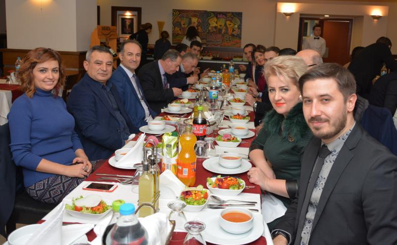 Rektör Acer, Kosova'lı Akademisyenlerle Akşam Yemeğinde Buluştu